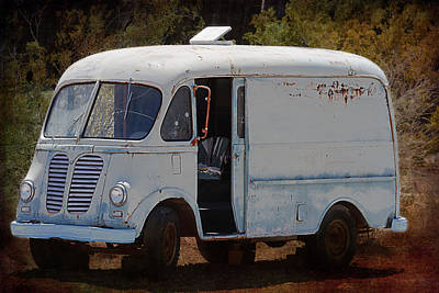 Photograph - Vintage Van by Gunter Nezhoda