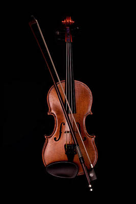 Violin Photograph - Violin by Andrew Soundarajan