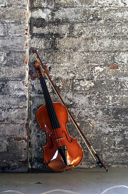 Violin Photograph - Violin On Brick by Jon Neidert