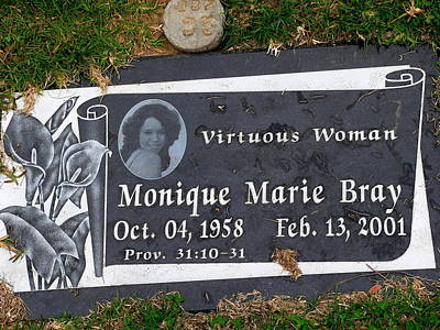 Photograph - Virtuous Woman Grave by Jeff Lowe
