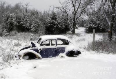 Photograph - Vw Im Schnee by Fred Lassmann