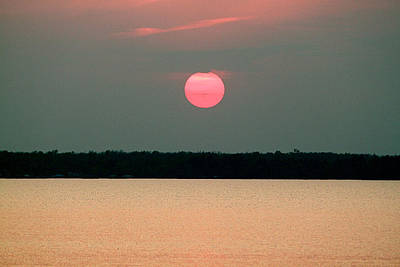 Lake Waccamaw Photograph - Waccamaw Sunset by John Illingworth