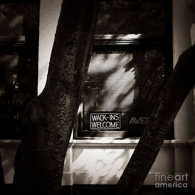Photograph - Wack Ins Welcome Memphis Tennessee by T Lowry Wilson