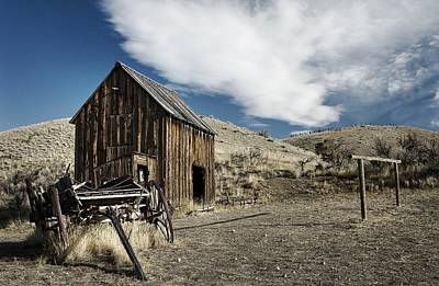 Photograph - Wagon Barn by Sonya Lang