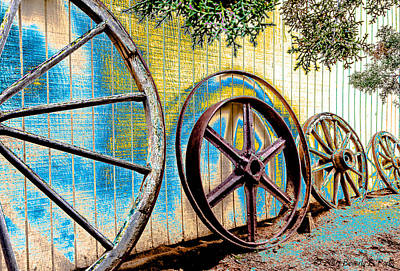 Photograph - Wagon Wheel Art by Beverly Parks