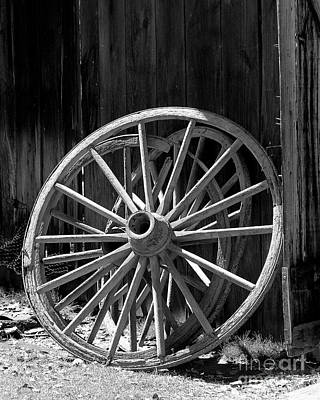 Photograph - Wagon Wheel by Judi Bagwell