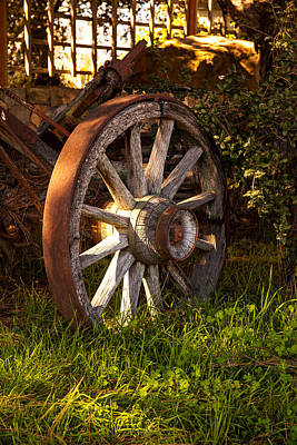 Photograph - Wagon Wheel by Thomas Hall