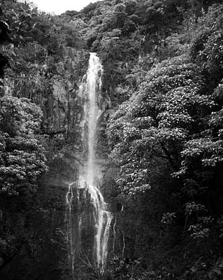Photograph - Waikani Falls At Wailua Maui Hawaii B W by Connie Fox