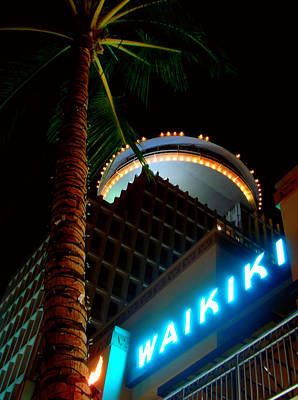 Waikiki Nightlife Art Print