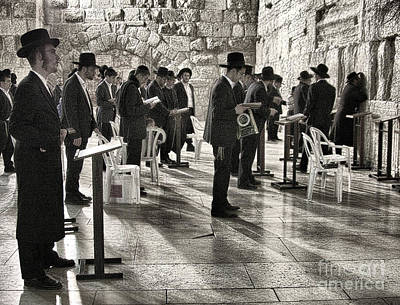 Photograph - Wailing Wall #4 by Tom Griffithe