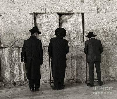 Photograph - Wailing Wall by Tom Griffithe