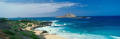 Blue Green Wave Photograph - Waimanalo Bay, Oahu, Hawaii by Panoramic Images