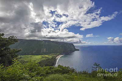 Photograph - Waipio Valley by Shishir Sathe
