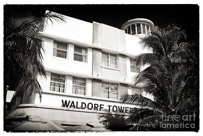 Photograph - Waldorf Towers by John Rizzuto