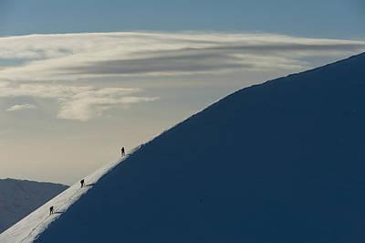 Walkers Climbing Snowy Ridge Of Sgorr Print by Ian Cumming