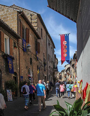Photograph - Walking To The Duomo Di Orvieto - June 2 by Dwight Theall