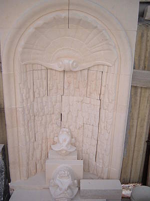 Relief - Wall Fountain by Memo Memovic