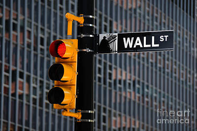 Stop Sign Photograph - Wall Street Traffic Light New York by Amy Cicconi