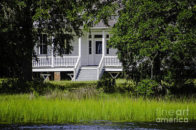 Photograph - Wando River Plantation Home by Dale Powell