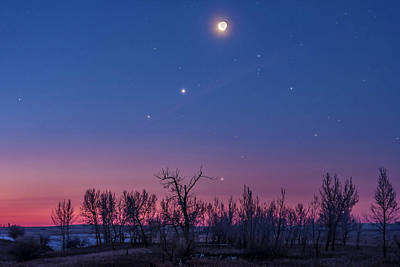 Waning Moon Photograph - Waning Moon With Venus & Saturn by Alan Dyer