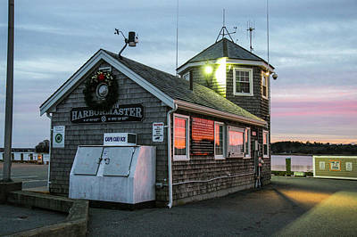 Plymouth Massachusetts Photograph - Wareham Harbormaster Building, Onset by Susan Pease
