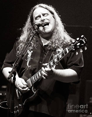 Phil Lesh Photograph - Warren Haynes 2000 by Chuck Spang