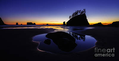 Northwest Photograph - Washington Coast Sunset Pool Of Radiance by Mike Reid