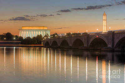 Lincoln Memorial Photograph - Washington Landmarks At Dawn I by Clarence Holmes