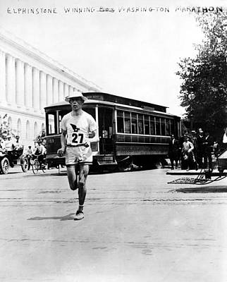 Footrace Photograph - Washington Marathon, 1911 by Granger