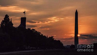Photograph - Washington Monument Sunset by Shirley Mangini