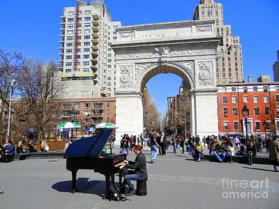 Photograph - Washington Square Pianist by Ed Weidman