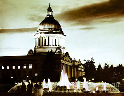 Photograph - Washington State Capitol Campus And Tivoli Fountain by Merle Junk