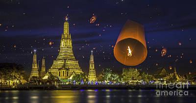 Wat Arun Print by Anek Suwannaphoom