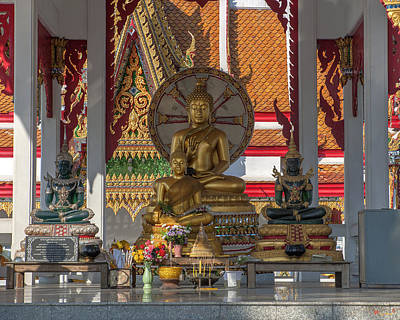 Thon Photograph - Wat Bukkhalo Central Roof-top Pavilion Buddha Images Dthb1812 by Gerry Gantt