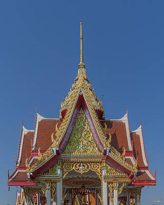 Thon Photograph - Wat Bukkhalo Central Roof-top Pavilion Gable Dthb1810 by Gerry Gantt