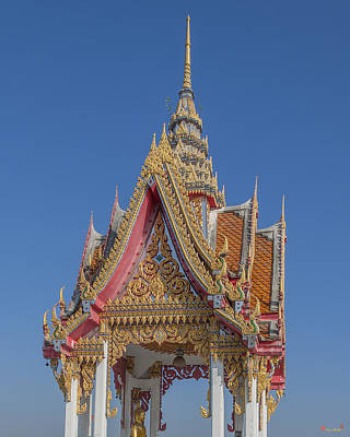 Wat Bukkhalo Front Roof-top Pavilion Gable Dthb1822 Art Print by Gerry Gantt