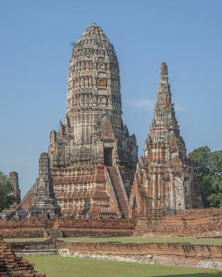 Photograph - Wat Chaiwatthanaram From The Chao Phraya Dtha081 by Gerry Gantt