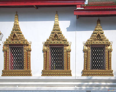 Photograph - Wat Chumphon Nikayaram Phra Ubosot Windows Dtha0130 by Gerry Gantt