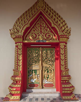 Photograph - Wat Liab Ubosot Center Door Dthu349 by Gerry Gantt