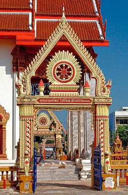 Photograph - Wat Liab Ubosot Gateway Dthu039 by Gerry Gantt