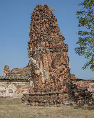 Photograph - Wat Mahathat Leaning Prang Dtha0230 by Gerry Gantt