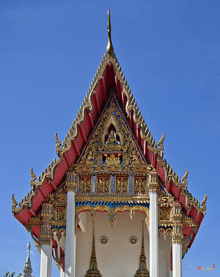 Photograph - Wat Maneewanaram Ubosot Gable Dthu665 by Gerry Gantt