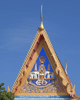 Photograph - Wat Mongkol Nimit Gable Dthp0014 by Gerry Gantt