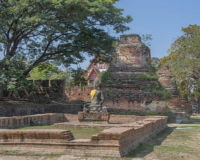 Photograph - Wat Phra Si Sanphet Peripheral Chedi Ruins And Wihan Buddha Dtha0209 by Gerry Gantt