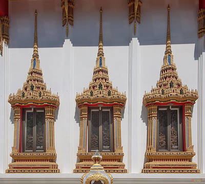 Photograph - Wat Sapum Thammaram Ubosot Windows Dthp227 by Gerry Gantt