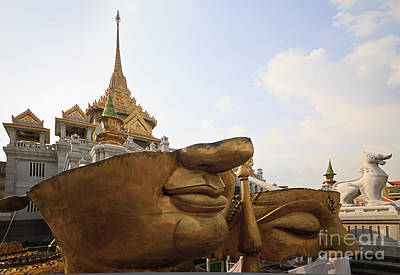 Photograph - Wat Traimit by Dennis Hedberg