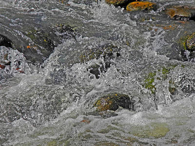 Photograph - Water Dance At Oak Creek by Lynda Lehmann