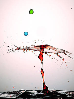 Water Droplets Collision Liquid Art 11 Art Print by Paul Ge