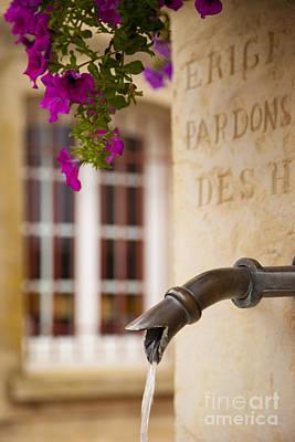 Photograph - Water Fountain by Brian Jannsen