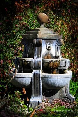 Pop Art - Water Fountain by Henrik Lehnerer